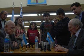 Schwartzman y Benkö, frente a frente, en el Club Argentino de Ajedrez