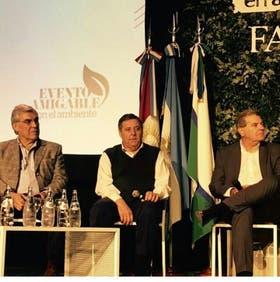 Alegre, De Angeli y el ministro de Agricultura de Córdoba, Sergio Busso