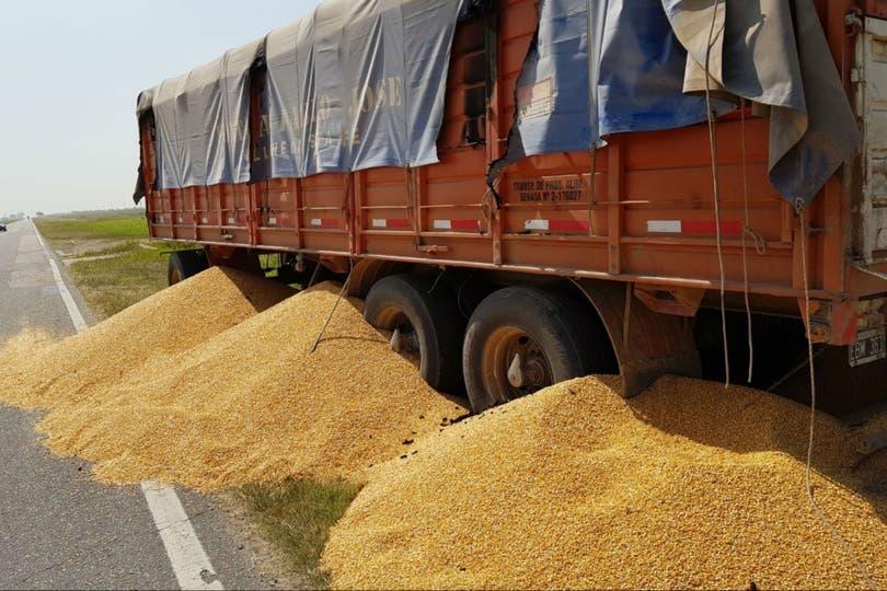 """Pese al """"manual"""" que circulaba entre los Transportistas de Granos Autoconvocados (TGA) hubo denuncias de hechos de violencia y camiones obligados a descargar el cereal"""