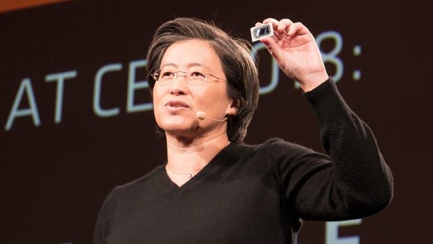 Lisa Su, CEO de AMD, durante la presentación de la nueva línea de procesadores Ryzen Mobile en el CES 2018 de Las Vegas
