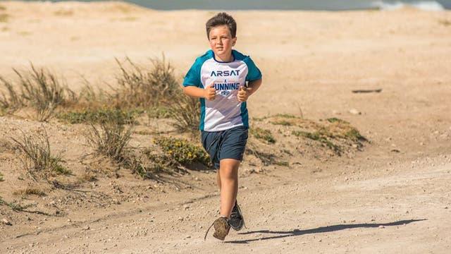 Tomás sigue los pasos de su padre en el trail.