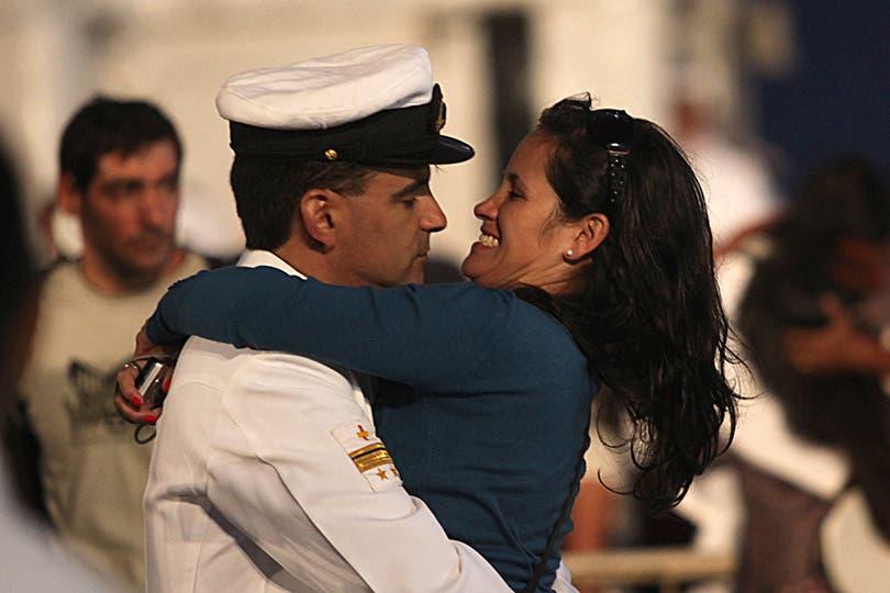La llegada estuvo llena de emotivos encuentros. Foto: LA NACION / Guadalupe Aizaga