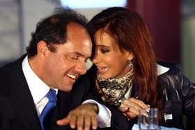 Cristina Kirchner y Daniel Scioli mantienen un alto nivel de aprobación