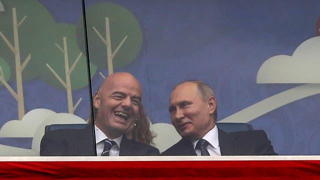 Gianni Infantino, con el presidente ruso Vladimir Putin