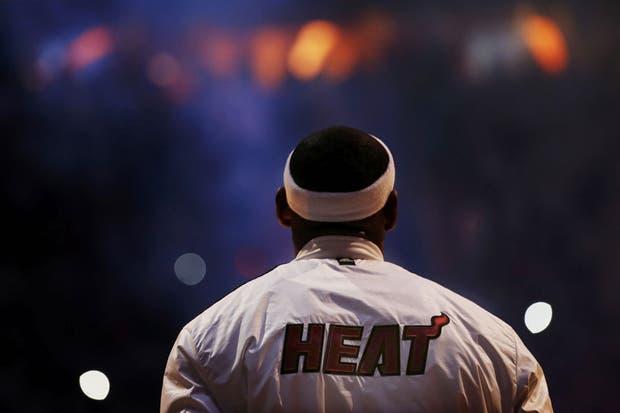 Arrancamos con una grosa de LeBron. ¿Vieron la tapa a Thiago Splitter?.  Foto:Reuters