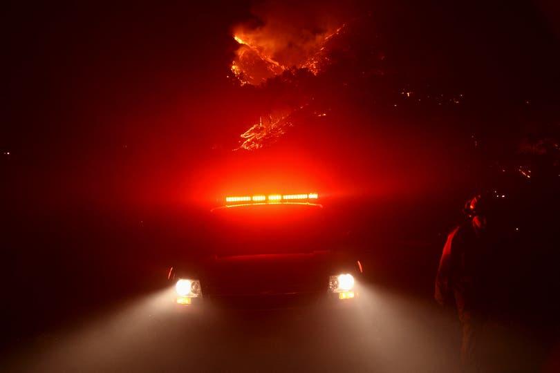 El humo dificultó la circulación en toda el área. Foto: Reuters