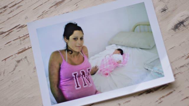 Johana es mamá de una niña que hoy tiene 6 años, y quedó sola con su padre