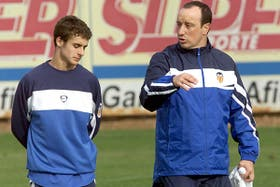 Rafa Benítez, con Pablo Aimar
