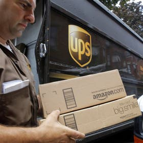 Hasta ayer, los libros que se compraban por Amazon debían buscarse en Ezeiza