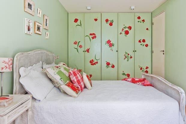 Una cama de dos plazas puede ser una opción para un dormitorio adolescente. ¡Ideal para recibir visitas!.  /Archivo LIVING.