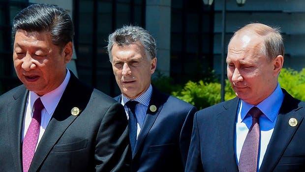 Los presidentes Xi, Macri y Putin, ayer, en el foro en Pekín