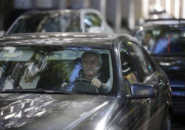 Como primer vehículo para ir a trabajar, los hombres eligen el auto