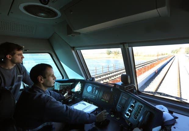 Moderna tecnología en la cabina del convoy