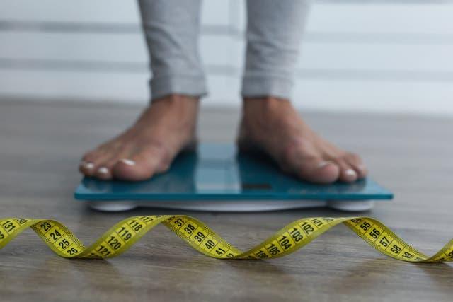 Sofía tiene 20 años y hace cinco que está en tratamiento por bulimia; para este verano, quiso bajar unos kilos y volvió a sufrir su trastorno