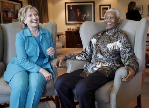 Hillary Clinton cayó unos puestos, del 28 del año pasado al 36 de ahora. Foto: EFE