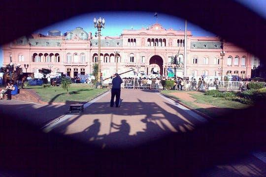 A lo lejos, la Casa Rosada. Foto: lanacion.com / @maiajastre