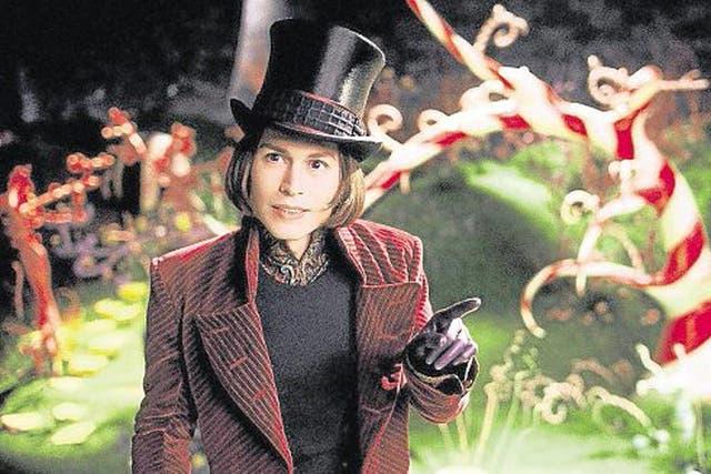 Johnny Depp en el papel del chocolatero Willy Wonka