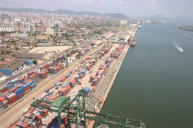 Santos, un puerto grande y costoso