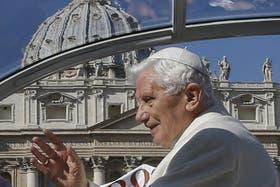 Benedicto XVI dejará el Vaticano y se recluirá por dos meses en un monasterio