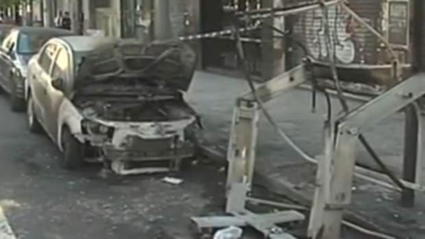 Incendiaron un contenedor y un automóvil en Balvanera