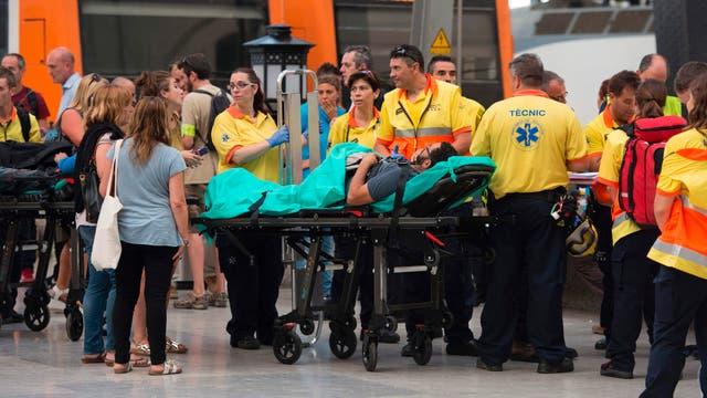 Choque de tren en Barcelona: al menos 54 heridos, uno de ellos de gravedad