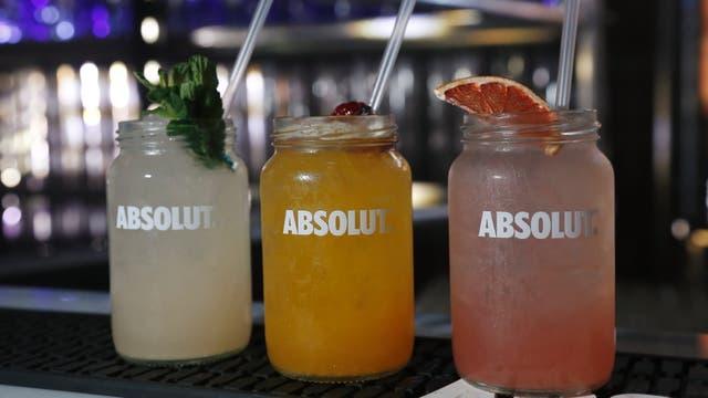 Tres tragos con Absolut Vodka.