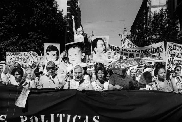 Niños desaparecidos: Segunda Marcha de la Resistencia, 9 y 10 de diciembre de 1982, de la colección Eduardo Gil