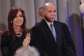El presidente de la Corte Suprema, Ricardo Lorenzetti, evalúa denunciar al titular de la AFIP, Ricardo Echegaray, por extorsión y amenazas