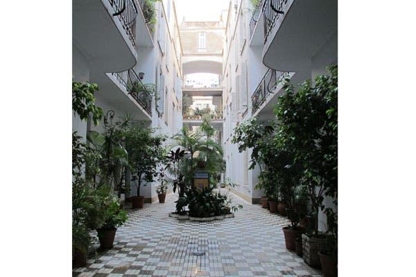 Pasaje Gral Paz,en Belgrano. Uno de los tesoros arquitectónicos porteños, según Silvina.