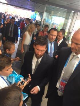 Messi llegando al sorteo