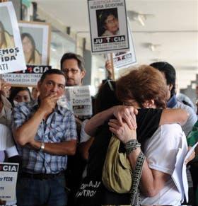 Los familiares de las víctimas de Once, ayer, al recordar la tragedia