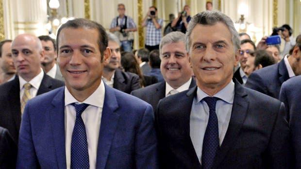 Mauricio Macri junto a Omar Gutiérrez