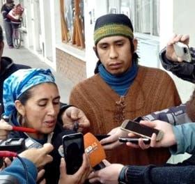 Anteayer: la imagen a cara descubierta de Santana, después de declarar ante la Justicia y señalar a la Gendarmería
