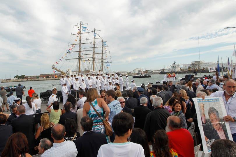 Todas las imágenes de la llegada de la Fragata Libertad a Mar del Plata. Foto: LA NACION / Rodrigo Néspolo