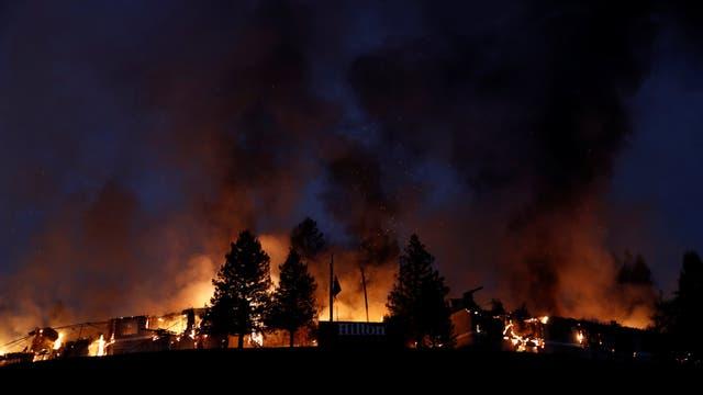 El Hilton Sonoma Wine Country quedó totalmente destruido por las llamas en Santa Rosa