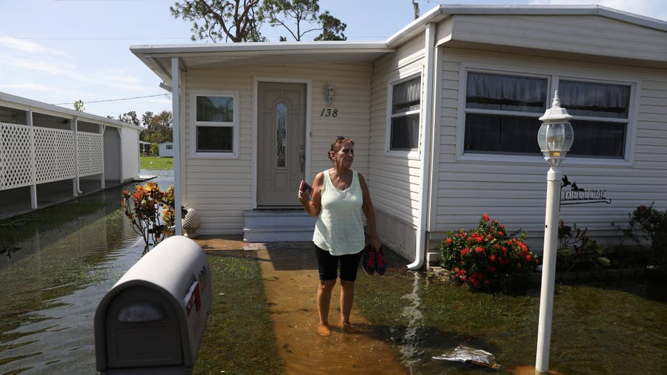 Algunos lugares siguen afectados por la inundación, se cree que va a durar varios días con la marea subiendo y bajando . Foto: Reuters