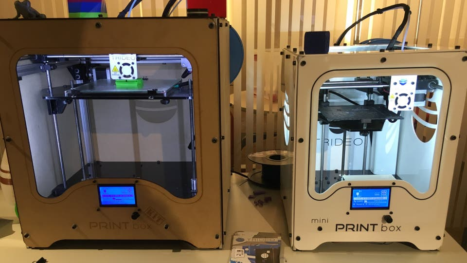 Las impresoras 3D que se usaron para generar las piezas en el momento.