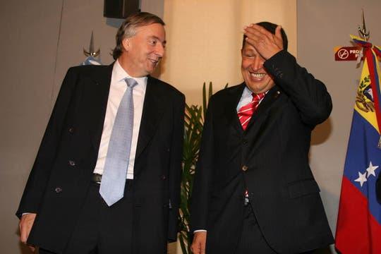 Con el ex presidente Néstor Kirchner en el marco de la XXX Cumbre del Mercosur que se desarrolló en Córdoba, Argentina, en julio de 2006. Foto: Archivo