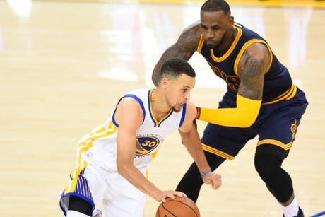 El negocio: cuánto dinero se mueve alrededor de Stephen Curry y LeBron James