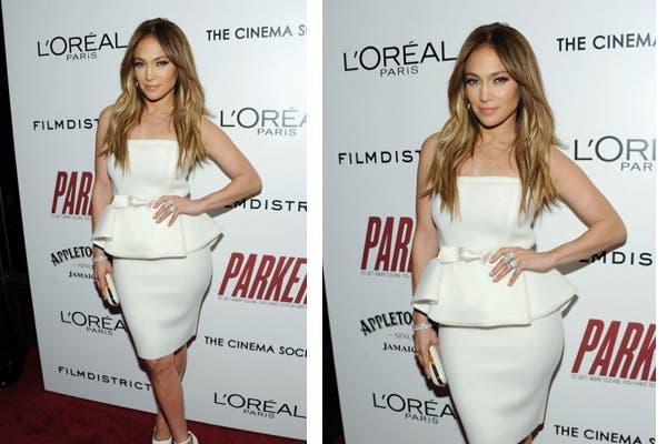 Jennifer Lopez con un elegante vestido strapless en color perla, ¿Qué opinás de este look?. Foto: Foto: siguiendoavogue.blogspot.com
