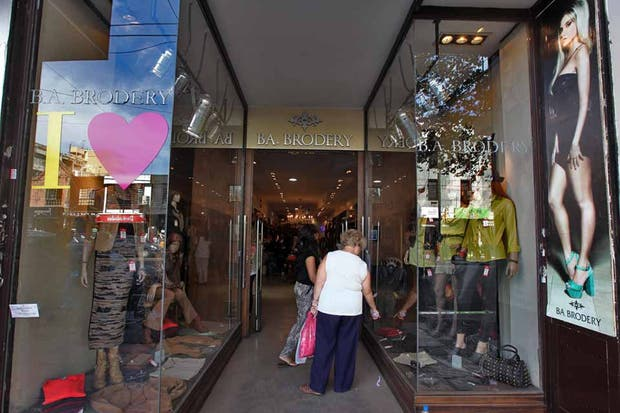 Ideal para comprar un vestido básico negro o unas calzas. Foto: OHLALÁ! /Guadalupe Aizaga