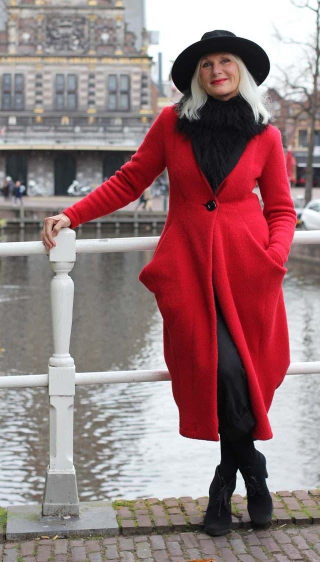 Además de fotografiar el estilo callejero, Misja entrevista a personalidades para una revista holandesa