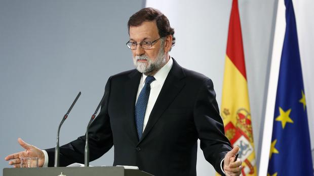 Rajoy, ayer, al presentar la intervención al gobierno autónomo de Cataluña