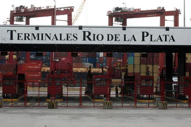 Un container tarda, en barco, entre 30 y 40 días en llegar desde China al puerto de Buenos Aires