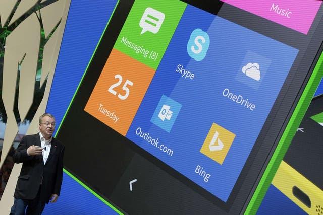Stephen Elop, CEO de Nokia, durante la presentación del teléfono con Android