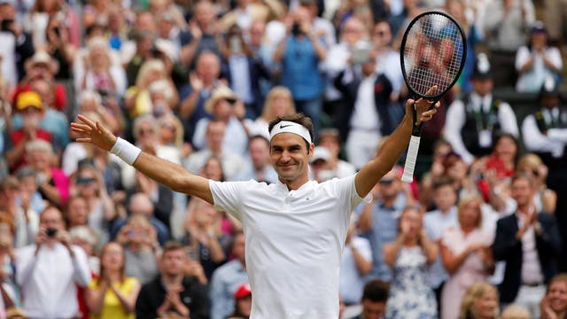El público aplaude otra gesta de Roger Federer