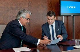Miguel Galuccio, de YPF, y Alí Moshiri, de Chevron, protagonistas del acuerdo