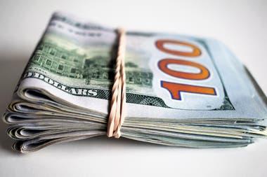 La cotización del blue se calcula sobre el billete nuevo del dólar