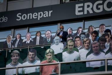 """También ex figuras y directivos estuvieron """"presentes"""" en el Borussia Park."""