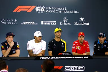 Verstappen, Hamilton, Ricciardo, Vettel y Kubica, durante la conferencia de prensa